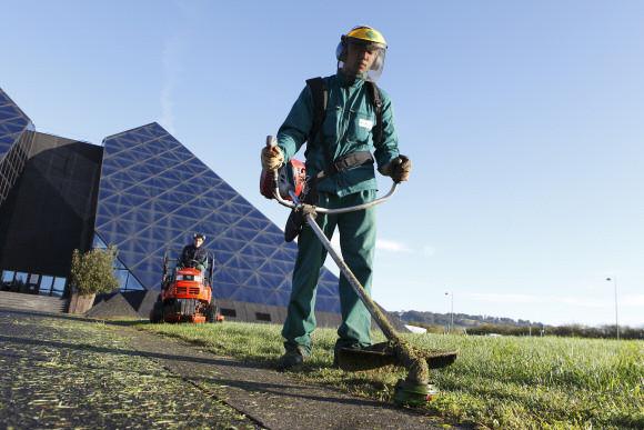 Espaces verts l 39 apei de saint amand montrond for Offre emploi entretien espaces verts