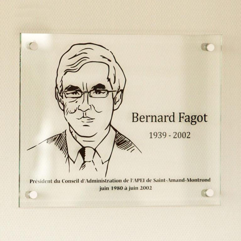 Une plaque à la mémoire de Bernard Fagot